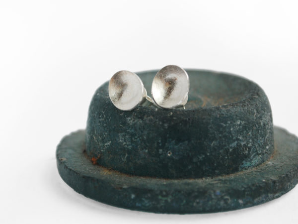 Textured Oval earrings studs