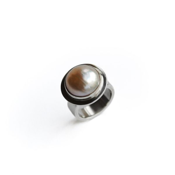 Mabe Pearl sterling silver ring Size: 7 or N 1/2