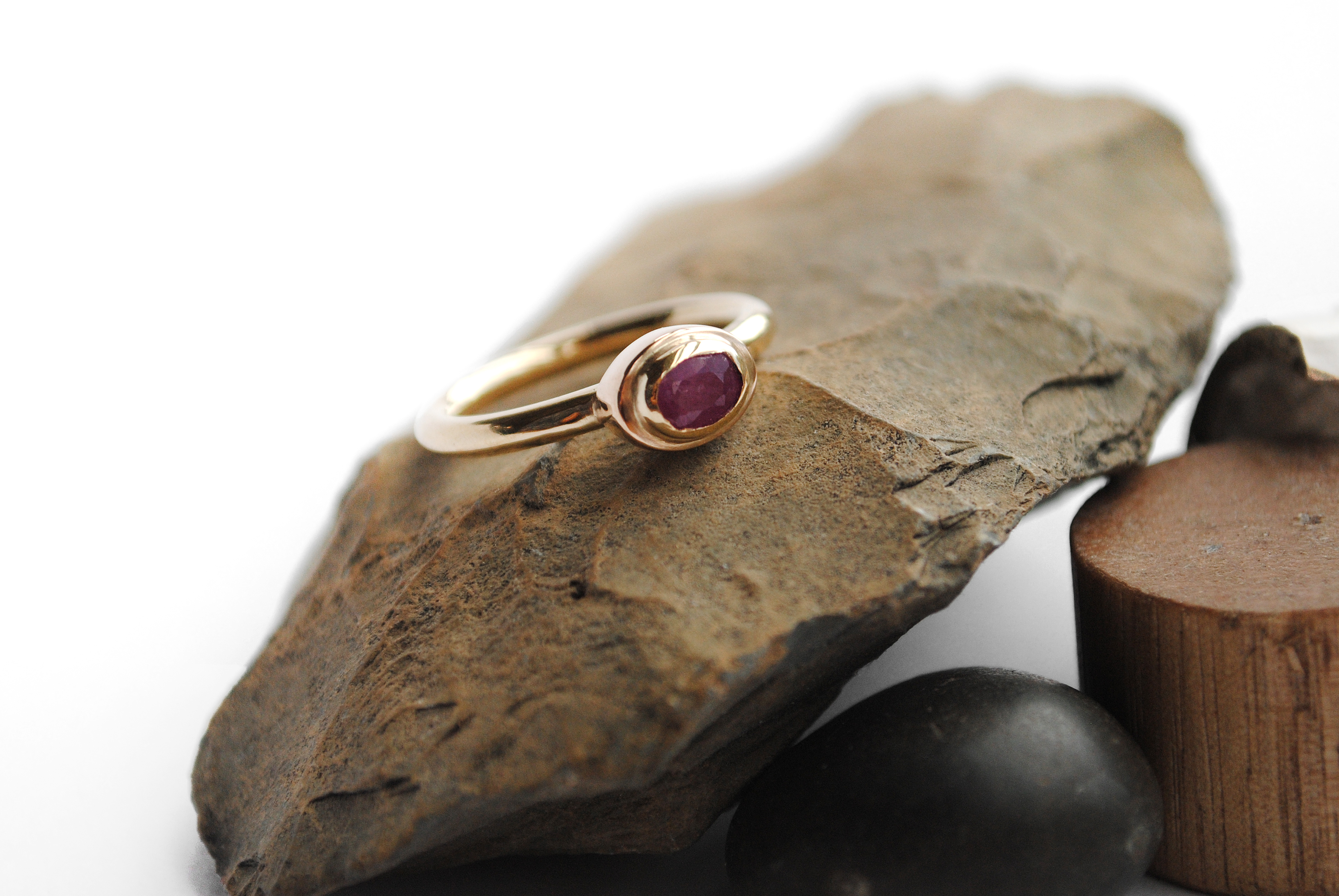 Glacier Ruby 9ct gold ring